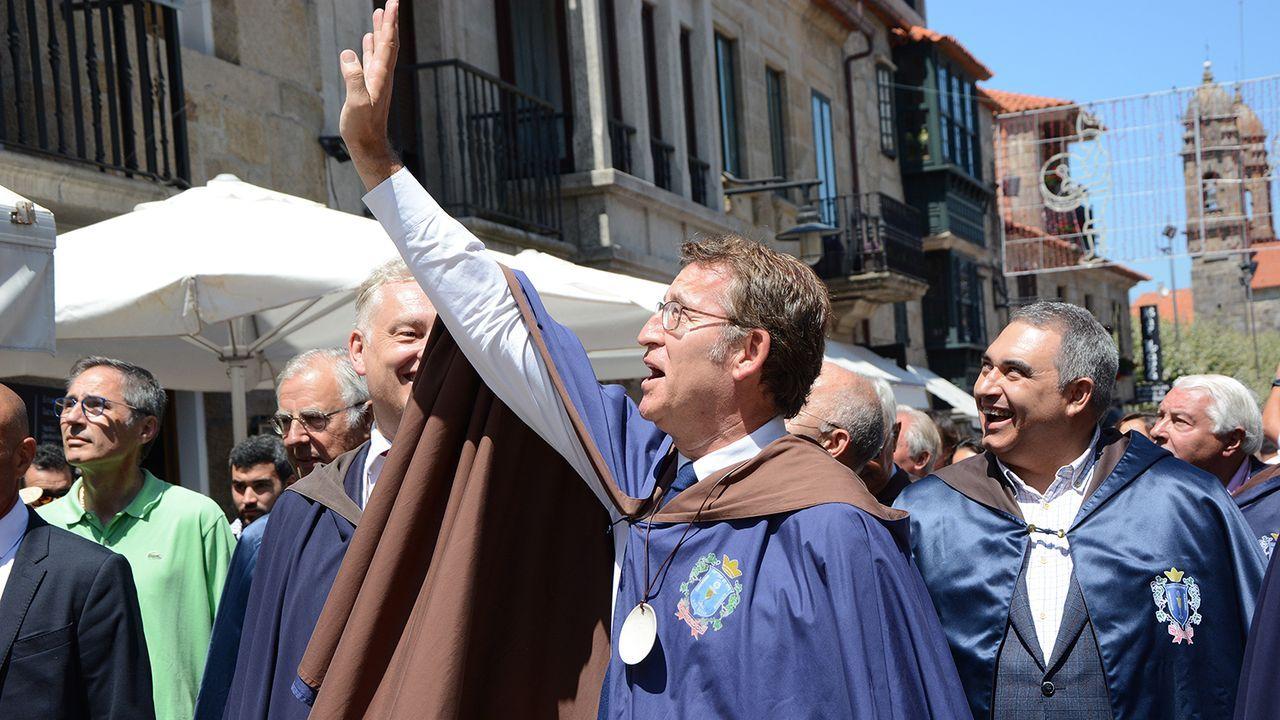 La ofrenda al apóstol Santiago, en imágenes.O BNG celebrou na campaña un acto na Quintana entre medidas de prevención sanitaria contra o covid-19