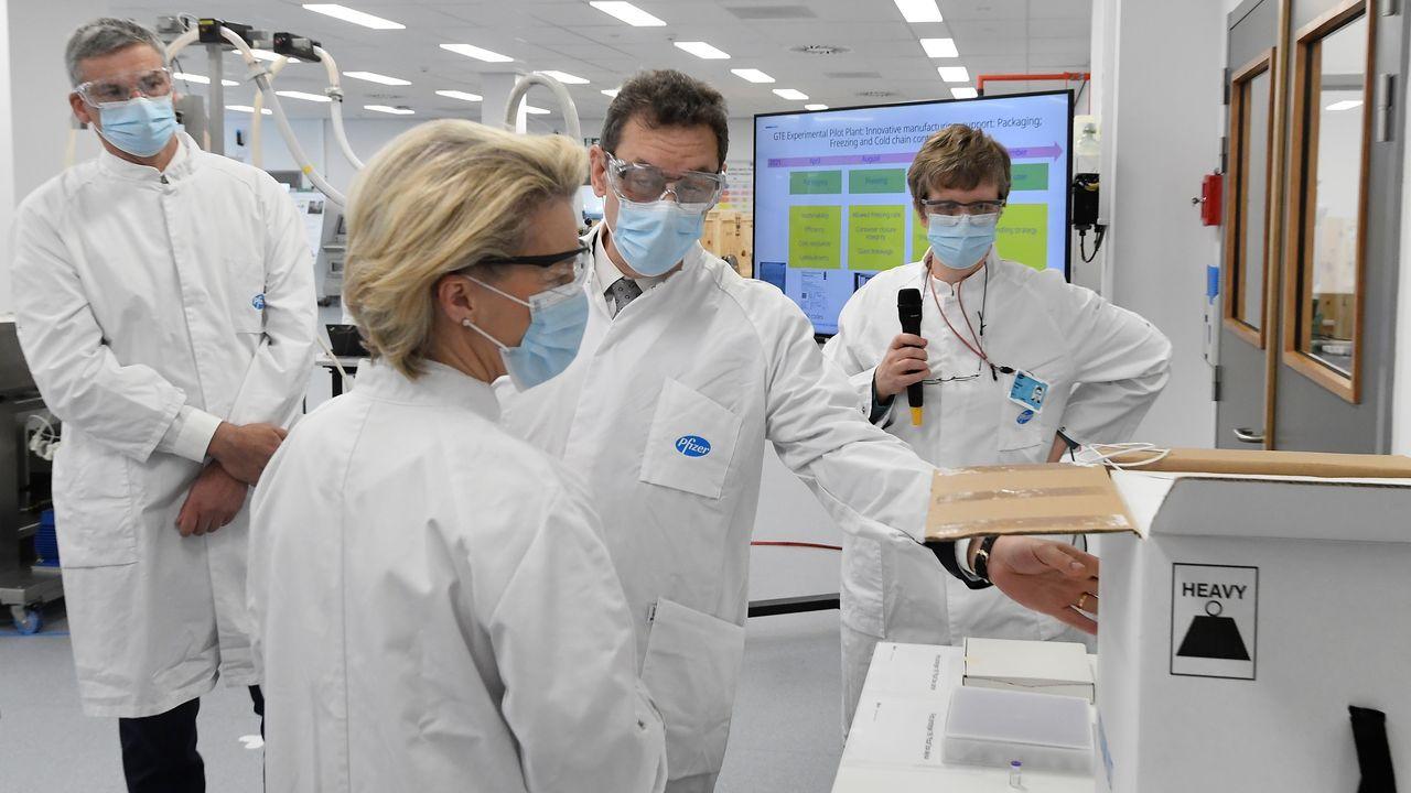 En directo: Comparece la ministra de Sanidad.Ursula Von der Leyen visitó este viernes la fabrica de Pfizer en Bélgica