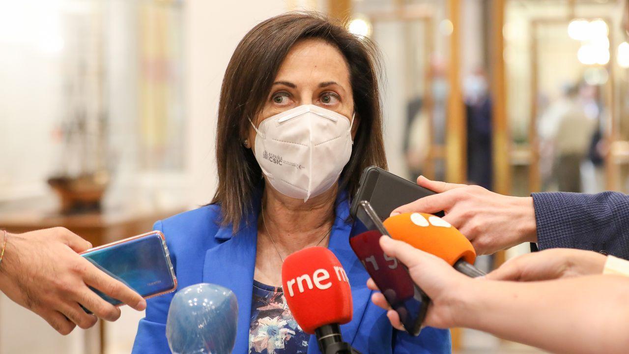 Viales de AstraZeneca para la administración de segundas dosis a mayores de 60 en Vilagarcía.Vacuna contra el covid en Avilés