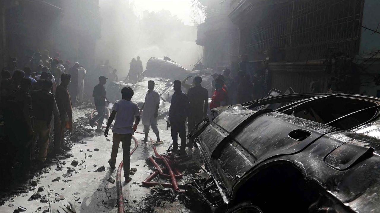 pasajero, autobús, bus, Asturias.El último siniestro aéreo en Pakistan ocurrió el mes pasado en Karachi, un accidente que causó 98 muertos