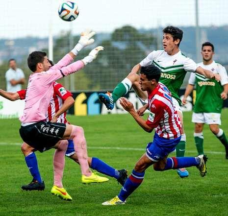 Dalmau jugó todo el segundo tiempo y dispuso de algún balón interesante, como este remate a pase de Thiago.