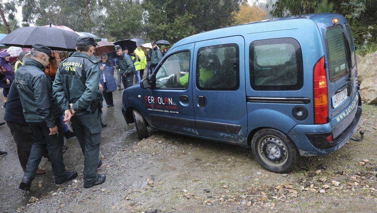 Vecinos de Casalonga, en Teo, protestan por las voladuras en la antigua mina