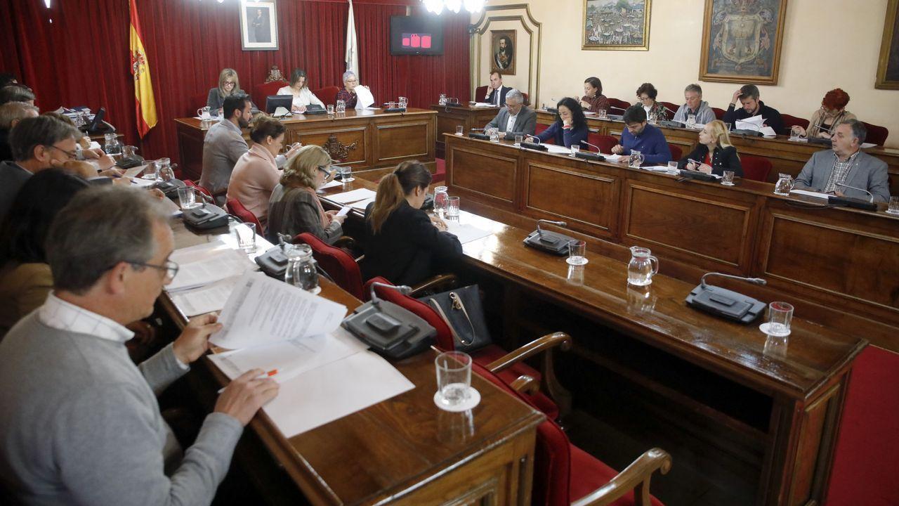 Los diputados gallegos que entrarán en el Congreso.Javier Reverte se vio envuelto en una batalla legal de más de tres años