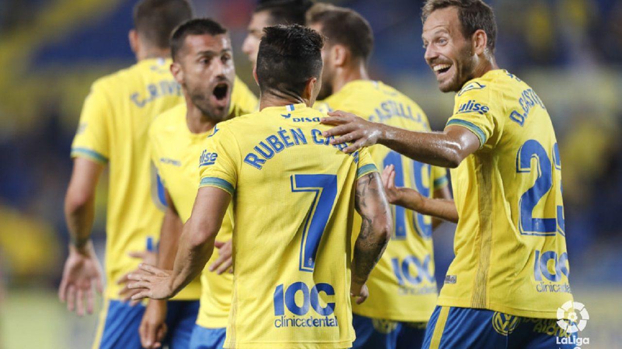 Jugadores de Las Palmas celebran uno de los tantos de Rubén Castro al Reus