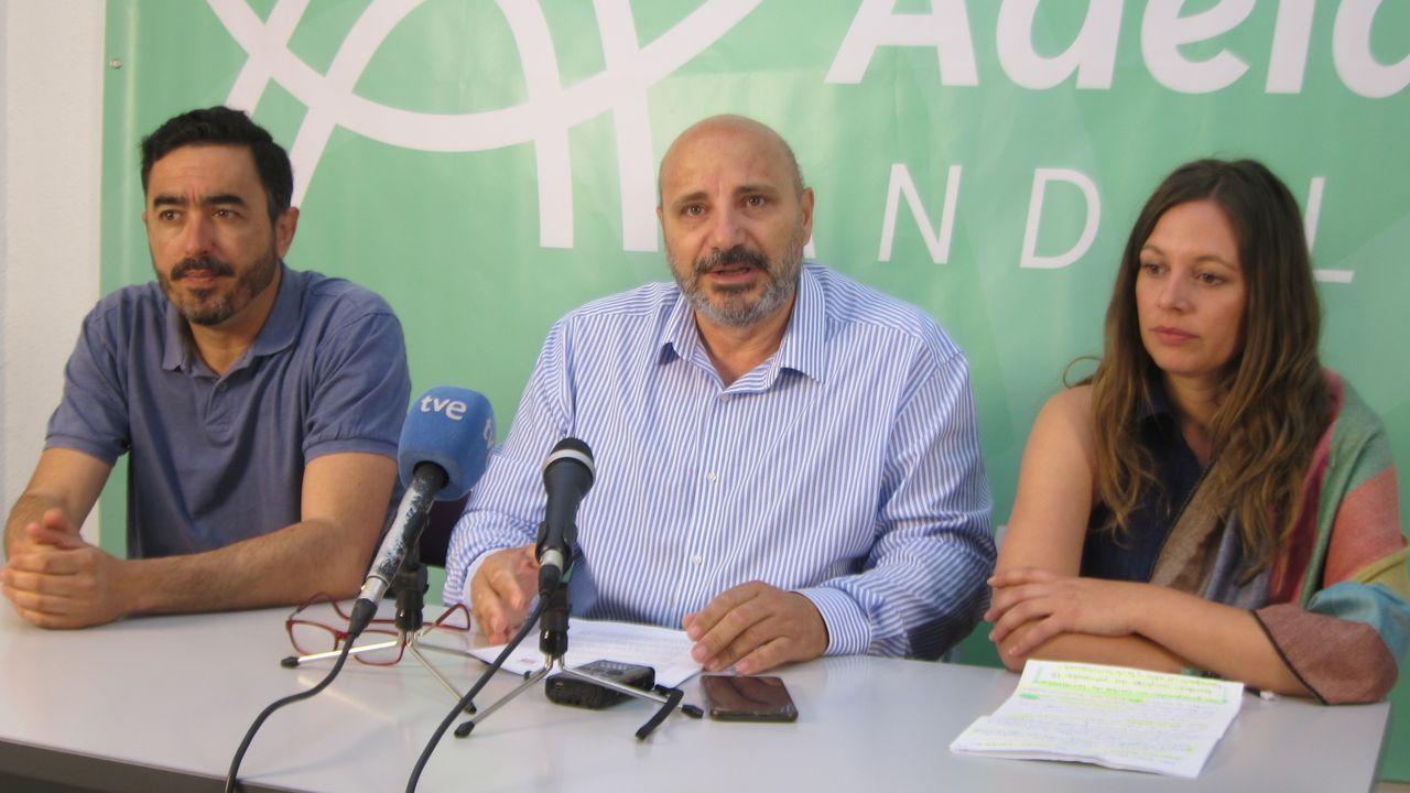 Arribas Alex Lopez Real Oviedo Extremadura Carlos Tartiere.José Luis Cano (en el centro), en una imagen de archivo