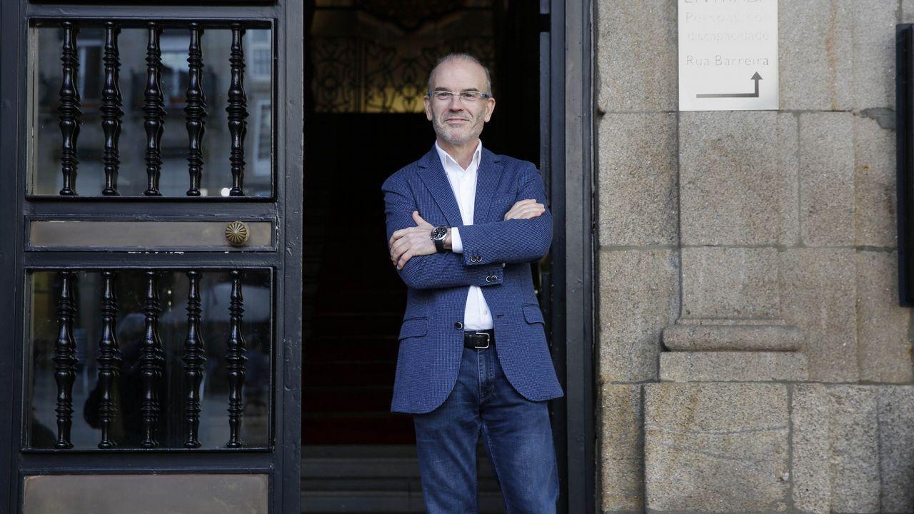 El PSOE explica las razones del relevo del portavoz del partido en la Diputación.Gonzalo Caballero, Touriño y Pachi Vázquez, en el funeral de Miguel Cortizo, que tuvo lugar en Santiago el pasado julio