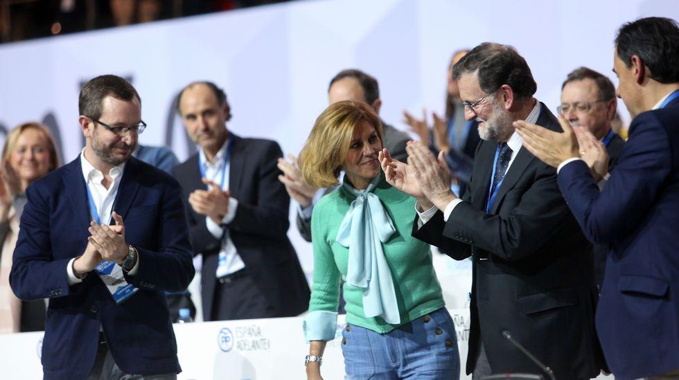 Mercedes Fernández saluda a Dolores de Cospedal