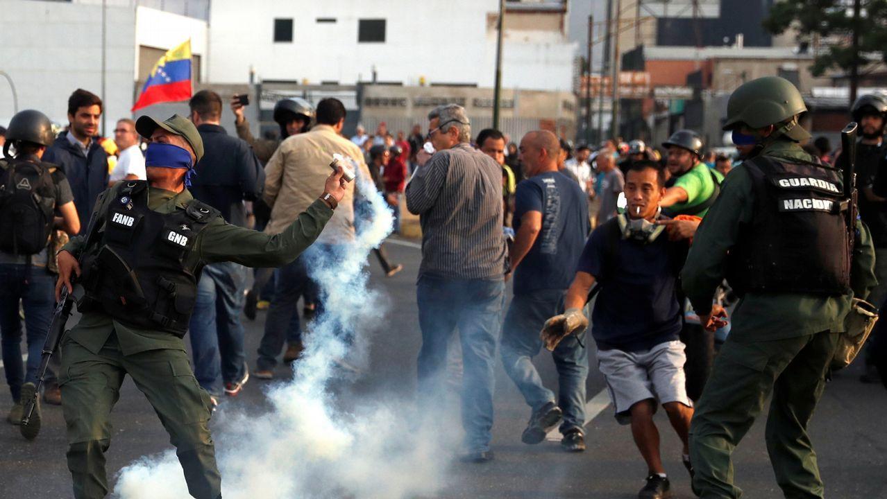 Leales a Maduro se dirigieron a la base aérea de La Carlota, en Caracas, para detener a las tropas afines al régimen de Maduro
