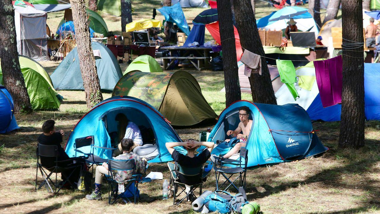 El desfile de bandas de las naciones celtas, en imágenes.La zona de acampada está abarrotada de asistentes al festival