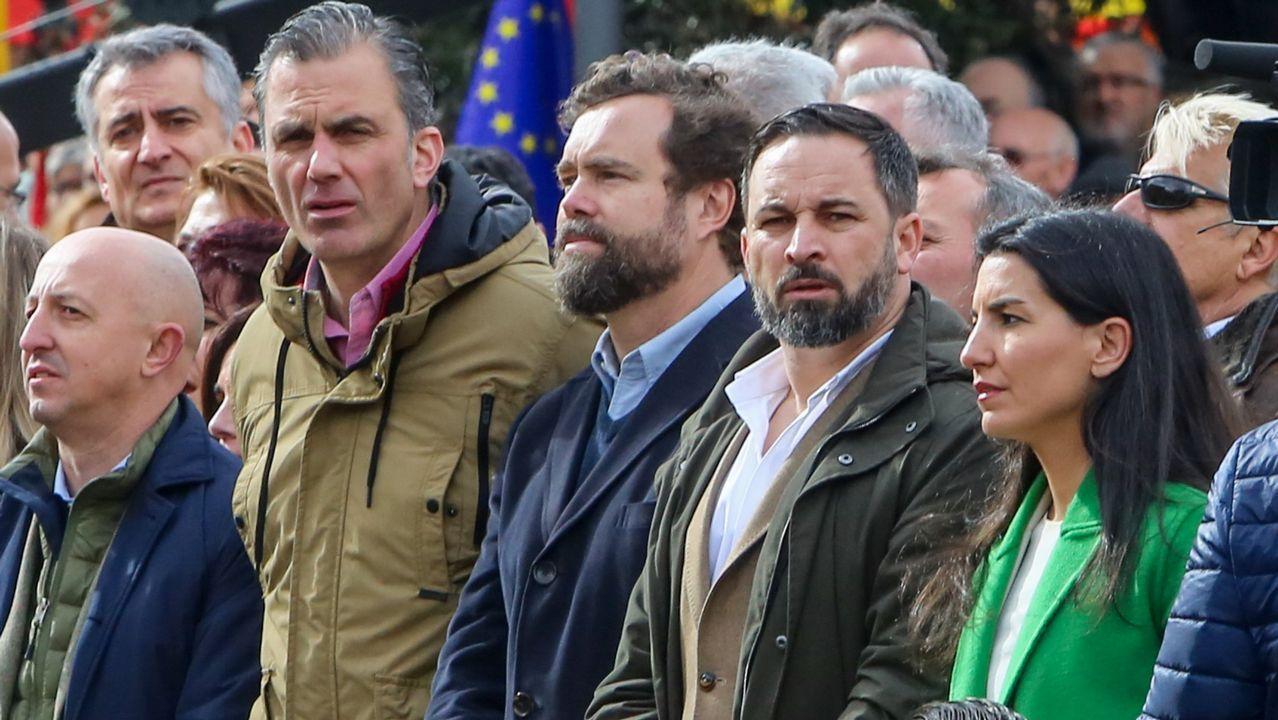 El exconsejero Romeva y el exvicepresidente Junqueras, tras sus abogados en el Tribunal Supremo