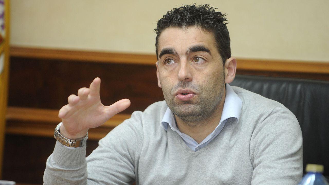 Yago Lopez, entrenador del CD Seixalbo juvenil. Tiene lesión medular.Luisa Piñeiro, en la rueda de prensa en la que presentó su dimisión, el pasado viernes