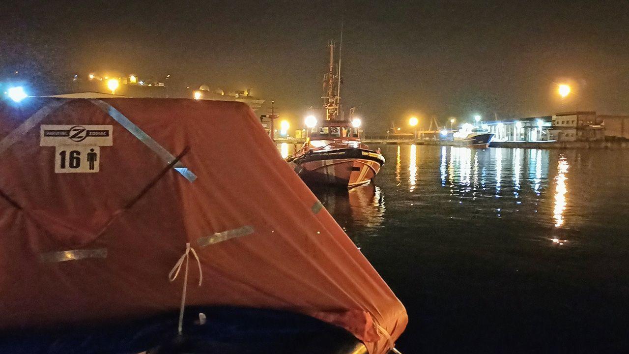 Obras en la variante de Pajares.Rescate de los tripulantes de un velero hundido frente a las costas de Gijón