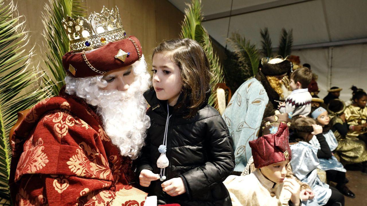Repción de los Reyes Magos a los niños en Burela a principios de este año