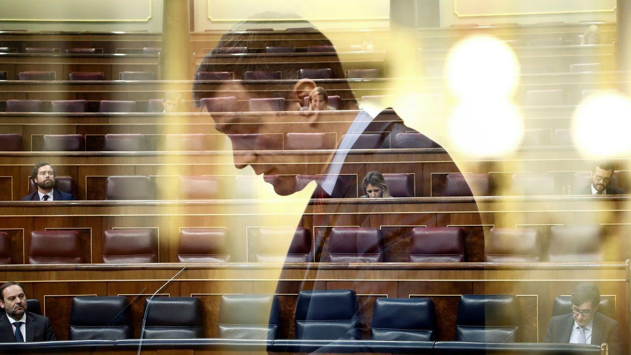 Rajoy, utilizado como ejemplo de incoherencia en un programa educativo de RTVE.El diputado de Foro Isidro Martínez Oblanca a su llegada al Congreso para asistir al pleno que aprobará con una amplia mayoría una nueva prórroga del estado de alarma