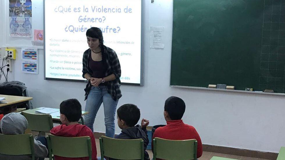25N.En Vilariño de Conso hubo unas jornadas de igualdad en el colegio, abiertas a toda la población