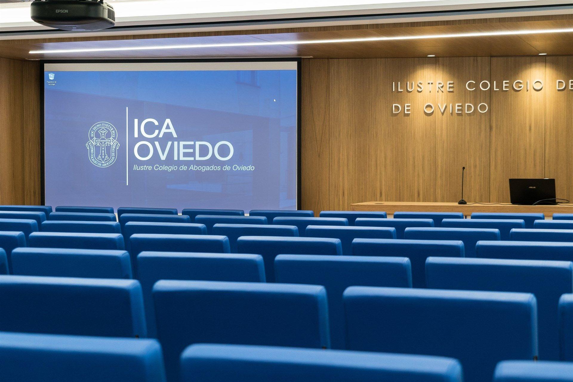 Lucas Vázquez: «Lo que queremos es ir de menos a más y ganar el Mundial».Sala del Ilustre Colegio de Abogados de Oviedo