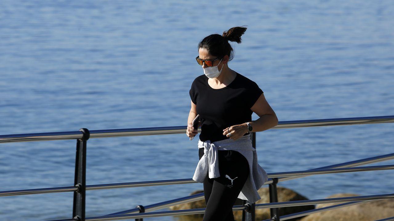En Galicia es obligatorio usar mascarilla en espacios públicos, incluso cuando se hace deporte en solitario.