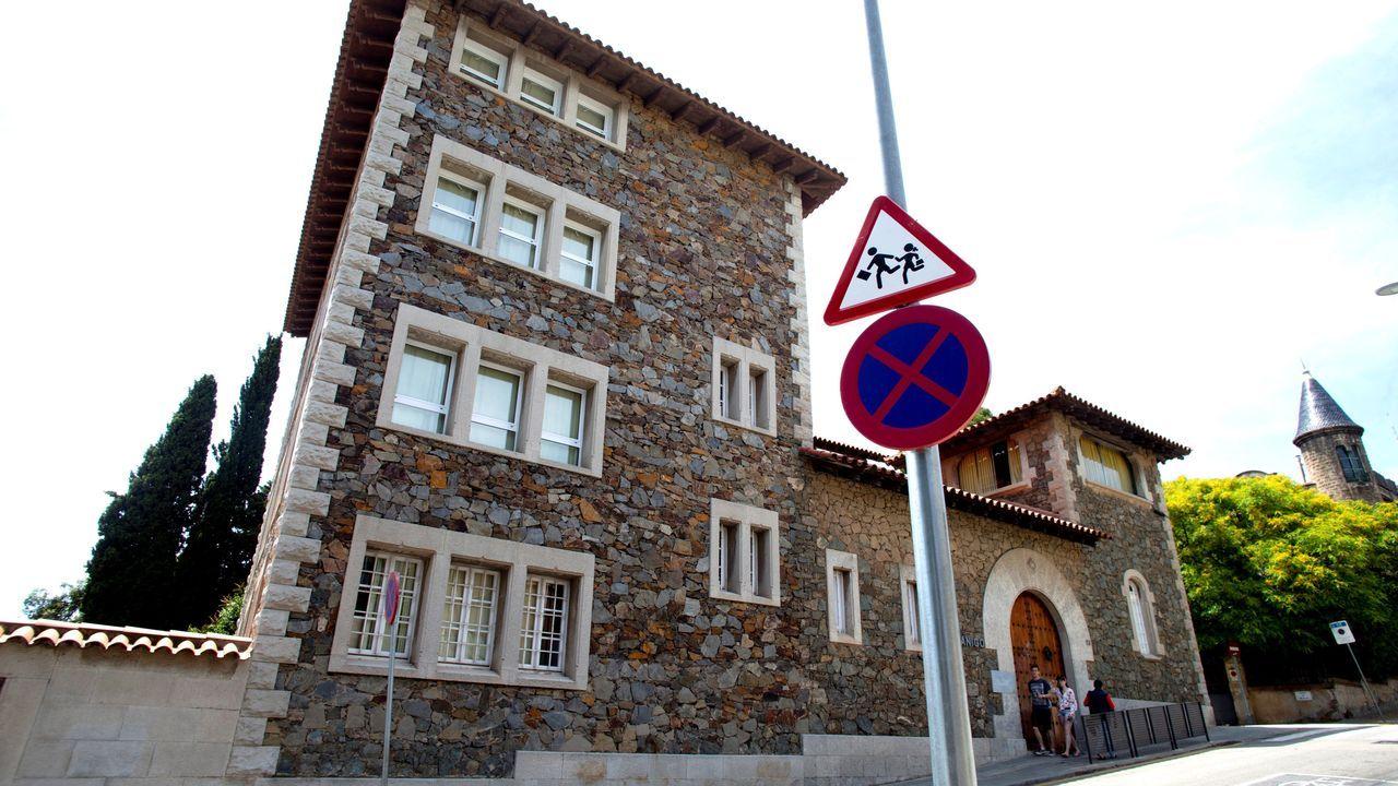 arrastrero .Fachada de la Escuela Canigó de Barcelona, donde estudiaban las jóvenes