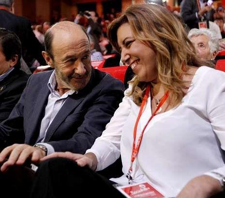 Rubalcaba, con Susana Díaz, en la conferencia política del PSOE de noviembre pasado.