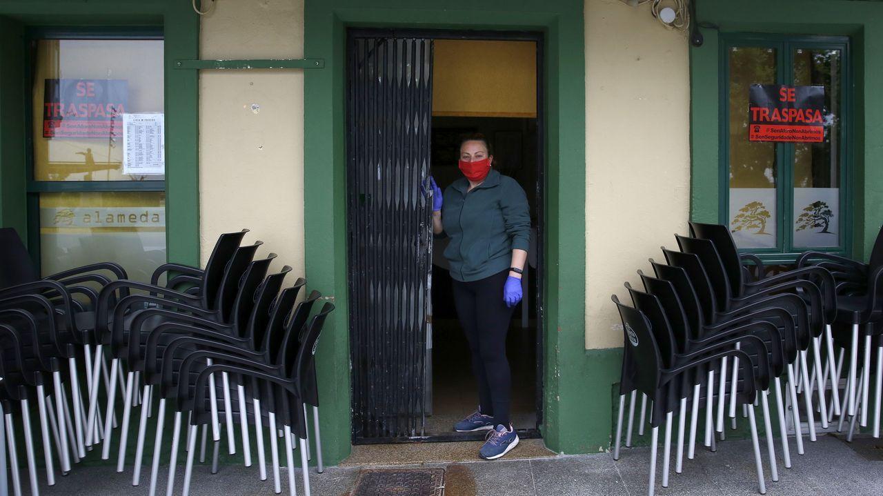 Las imágenes de la entrada de Barbanza en la fase 1 de la desescalada.Marta López y Natalia Fernández llegaron a Fuerteventura el 10 de marzo,y la pobrense no pudo regresar a su casa hasta el martes de madrugada