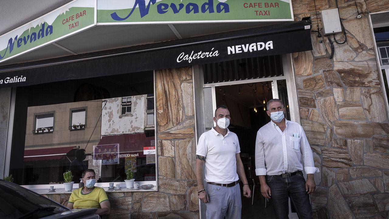 Milagros García, de 79 años, fue la primera residente del centro de mayores Balàfia I de Lérida en recibir la vacuna