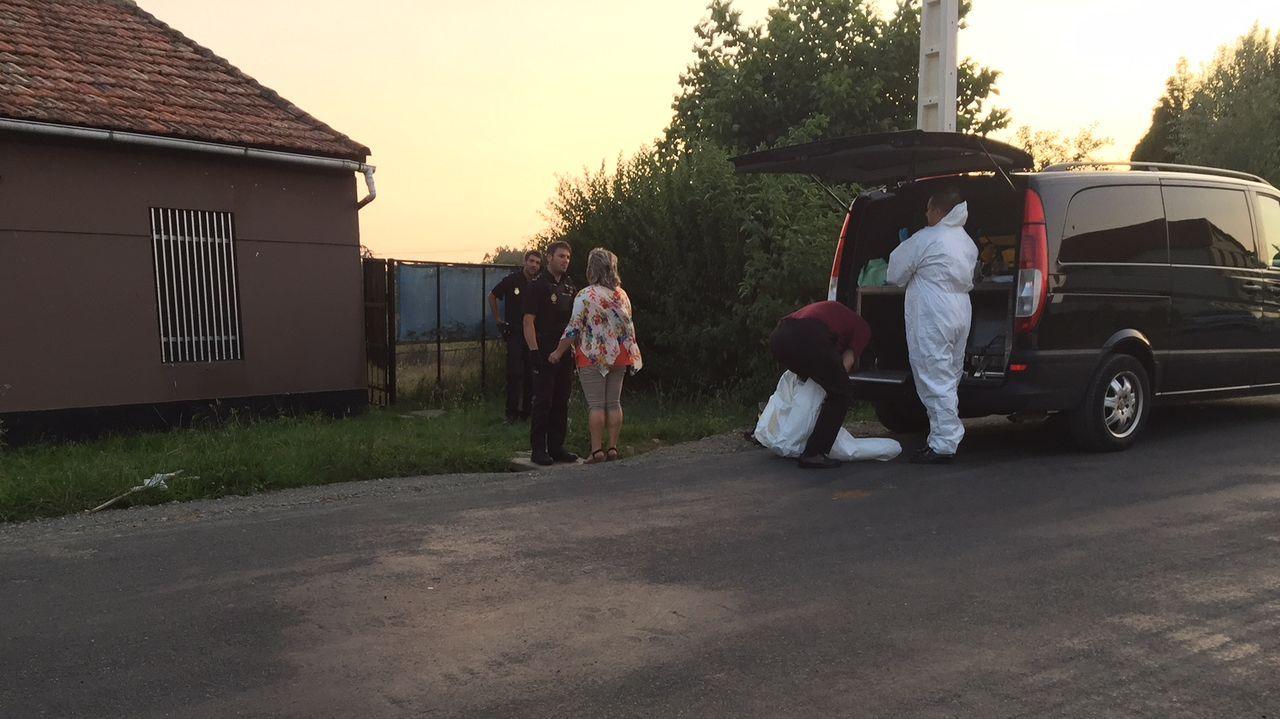 Traslado del cadáver de un hombre que llevaba varias semanas muerto en su casa de la parroquia naronesa de Sedes