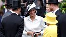 Meghan Markle sonríe a la reina Isabel II, junto a su marido, el príncipe Enrique