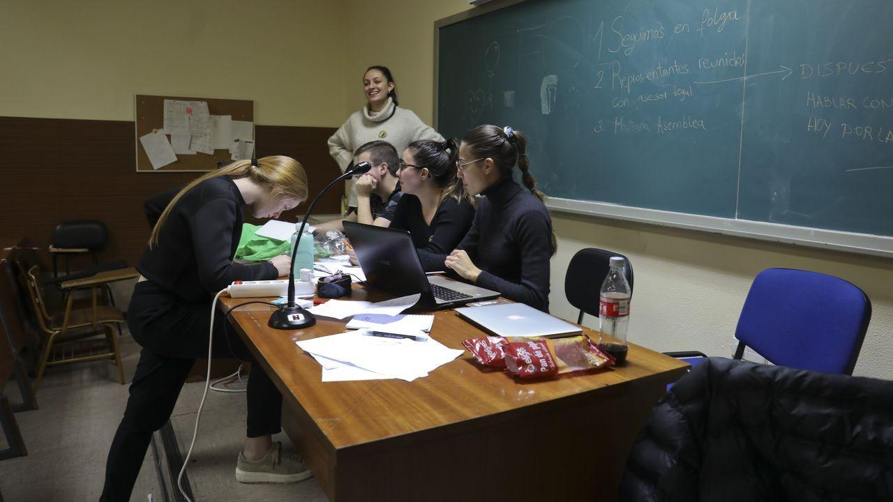Grupo de trabajo en la Facultad de Medicina