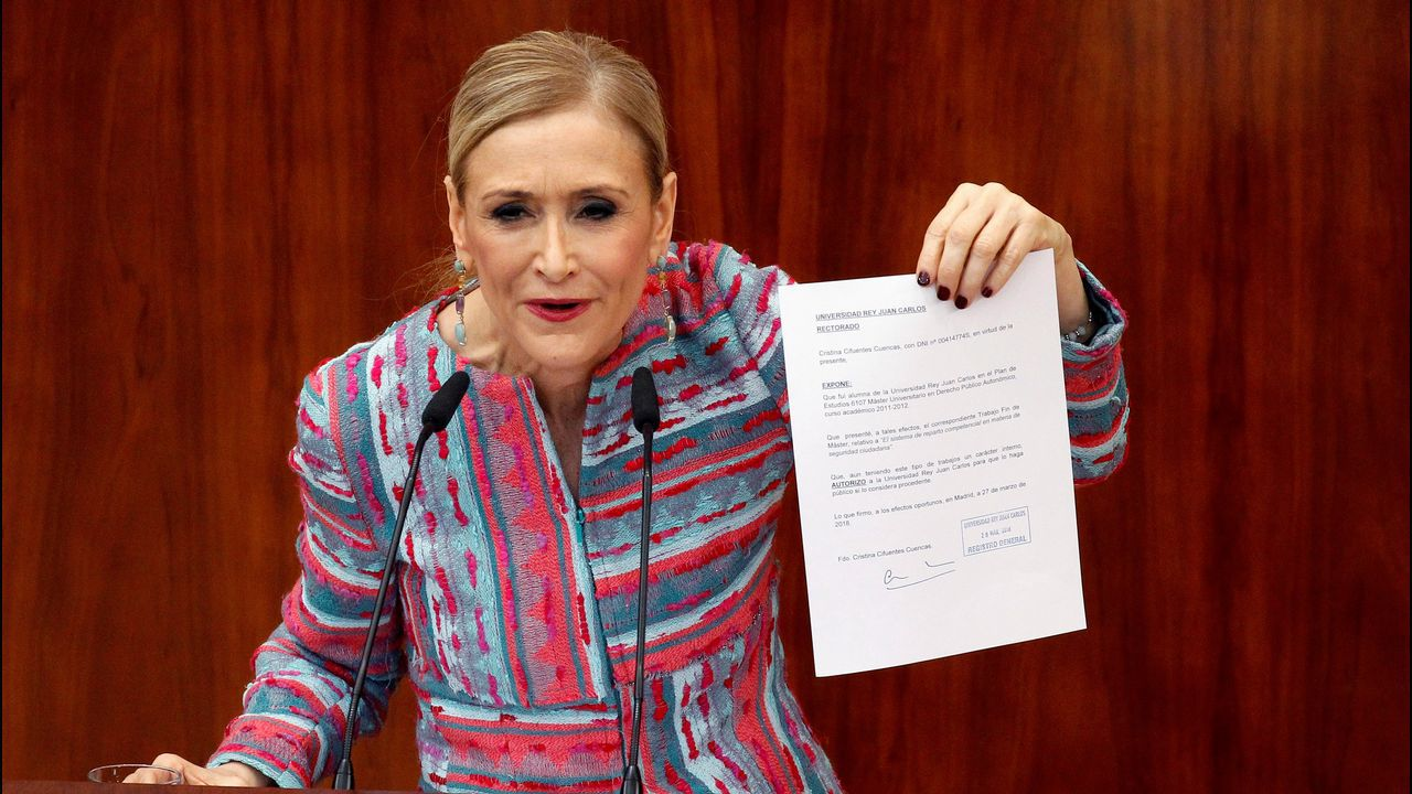 Cifuentes: «Mi master es real y legal»