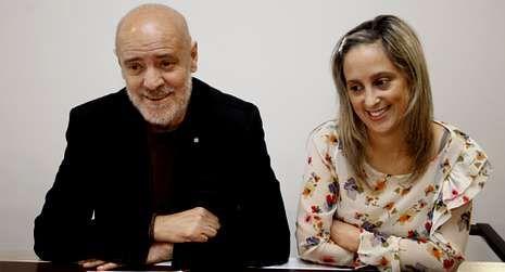 Melchor Roel compareció ayer junto a María Loureiro.