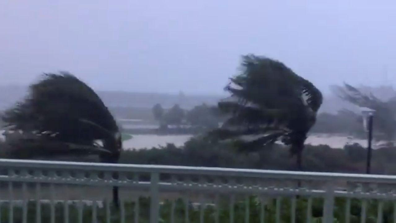 Paso del huracán Isaías por Bahamas