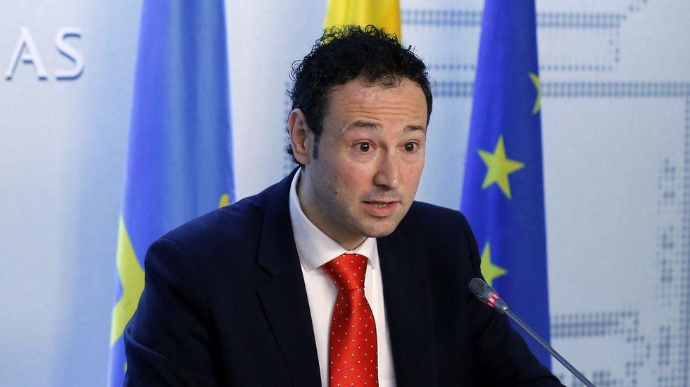 El presidente de la Federación Asturiana de Empresarios (Fade), Pedro Luis Fernández.El consejero de Presidencia y Participación Ciudadana y portavoz del Ejecutivo regional, Guillermo Martínez