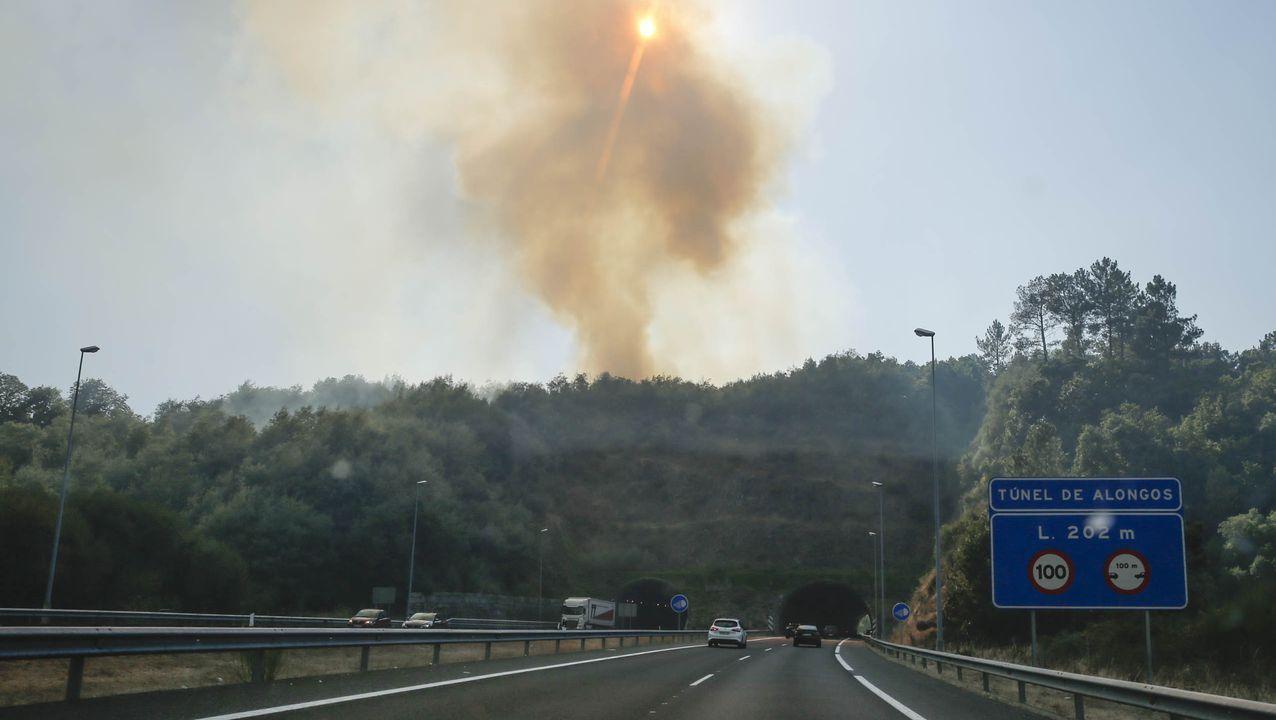 Arde Toén.El incendio en Moreiras, Toén, se inició el viernes