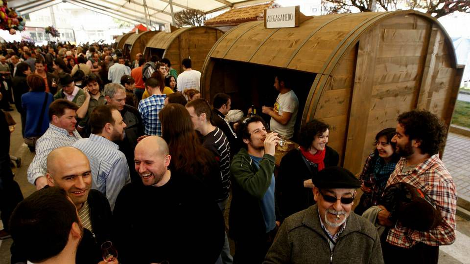 Casetas en forma de cuba en la Feira do Viño de Chantada