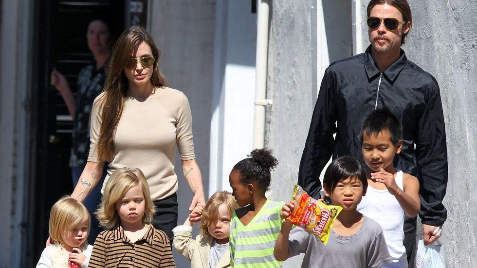 Rodaje en Galicia con las dos mayores celebridades asiáticas.Brad Pitt, junto a tres de sus hijos, en una imagen de septiembre de este año.
