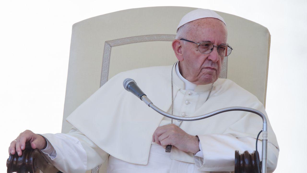 «Un vecino trajo una carta de mi padre en la suela del zapato desde Francia».El Papa Francisco, durante la audiencia general de los miércoles en el Vaticano