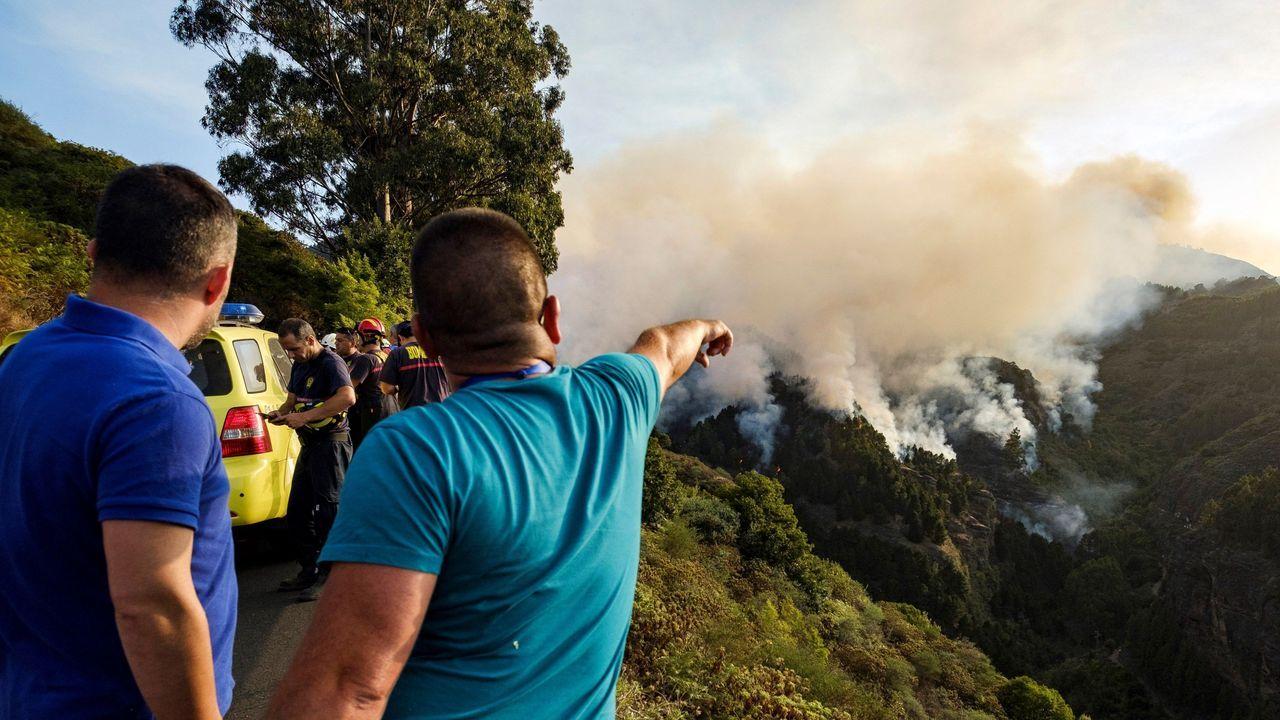 El foco más violento del incendio de Gran Canaria continúa activo.Incendio en el municipio grancanario de Valleseco