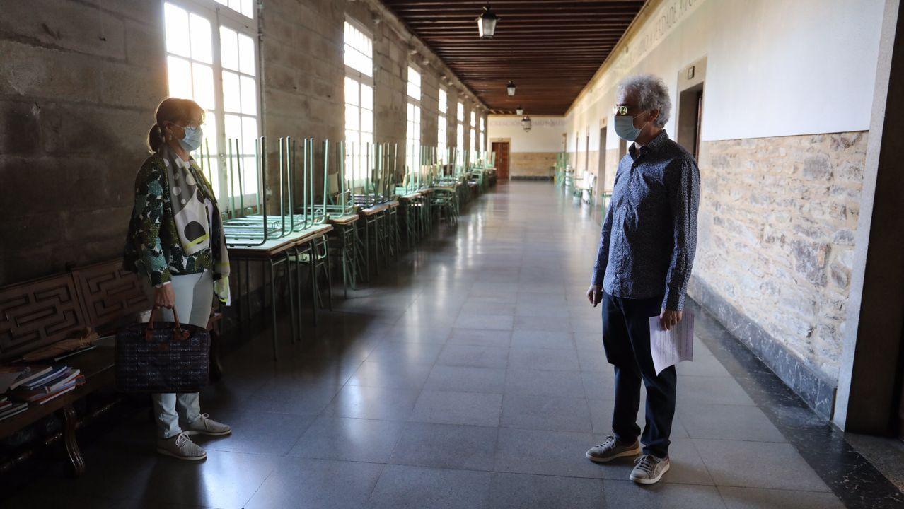 El IES Rosalía de Castro, en Santiago, retomó las clases esta mañana