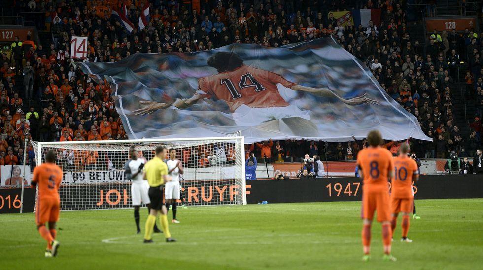 Emotivo homenaje a Johan Cruyff en el Amsterdam Arena