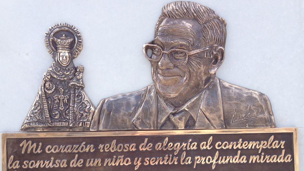 Placa conmemorativa del padre Ángel en Mieres.Placa conmemorativa del padre Ángel en Mieres
