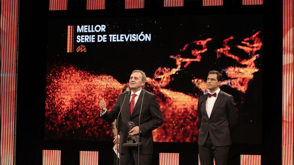 Todas las fotos con la V Solidaria de la Carrera de la Mujer.«Serramoura», la serie producida por Voz Audiovisual y que emite la TVG, logró el premio Mestre Mateo a la mejor serie televisiva.
