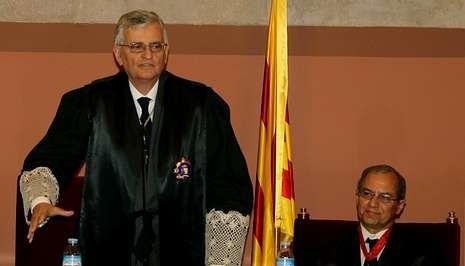Vencedores y vencidos en las elecciones catalanas.El fiscal general, Torres Dulce, que presidió la toma de posesión del fiscal superior de Cataluña, defendió la presunción de inocencia de Pujol, pero aseguró que será beligerante contra la corrupción.