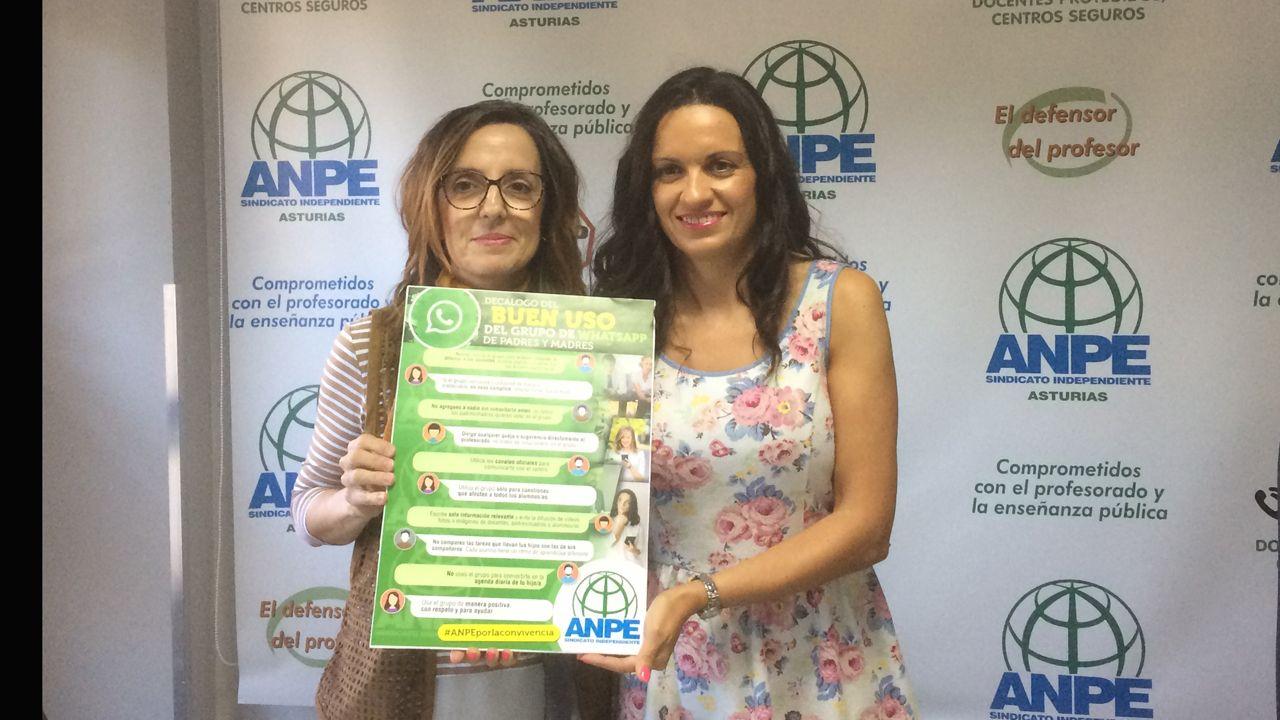 Begoña García y Montserrat Fernández en la presentación del decálogo para el buen uso de los grupos de padres de Whatsapp
