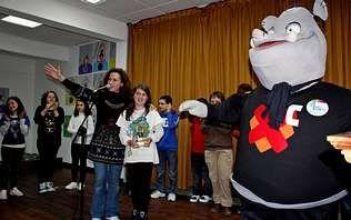 A biblioteca de Barro acolleu onte a entrega do segundo premio Mimi do colexio ao Xabarín Club
