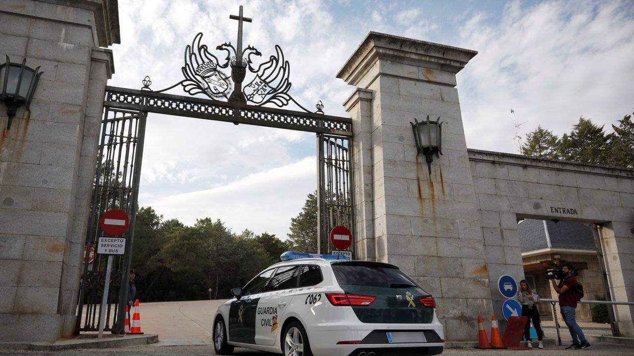 Policías de la UIP de A Coruña fueron recibidos por más de 200 personas.Adrián Barbón