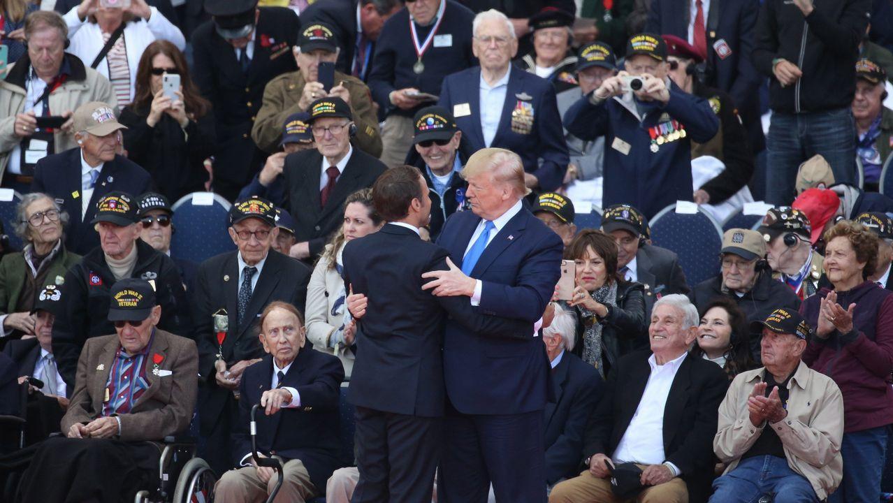 Macron y Trump, durante la ceremonia de conmemoración del 75 aniversario del Día D en el cementerio estadounidense de Normandía en Colleville-Sur-Mer