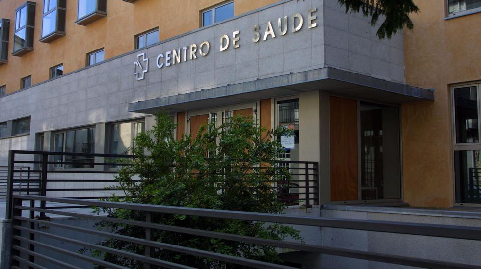 Ambulatorio de Monforte, donde se lleva a cabo la vacunación a los mayores