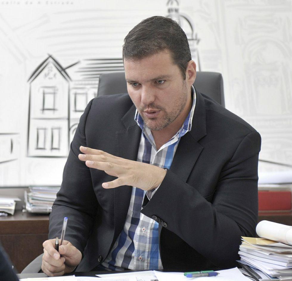 López considera que el presupuesto respalda las prioridades locales.