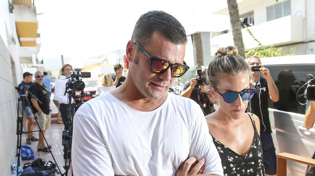Fonsi Nieto, sobrino de Ángel Nieto, junto con su mujer, Marta Castro