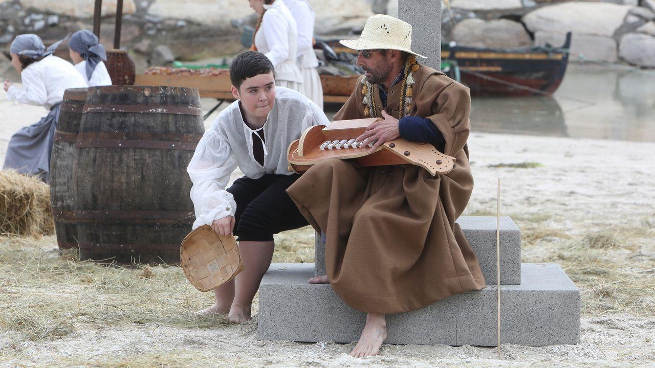 Xuntanza de peñas celtistas en Arousa.Barcos bateeiros que trabajaban en la zona fueron los primeros en socorrer a los turistas. Cedida